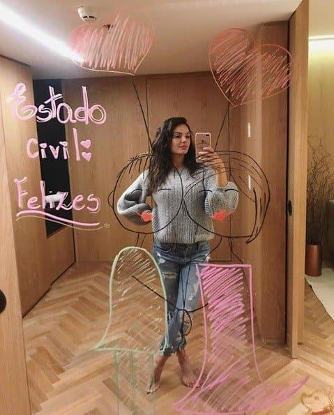 Essa foi a imagem que a atriz Isis Valverde compartilhou