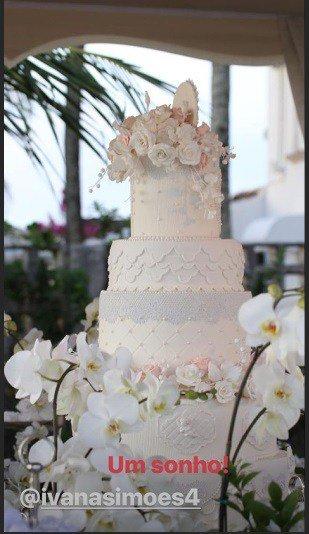 Esse foi o bolo do batizado das filhas gêmeas da cantora Ivete Sangalo