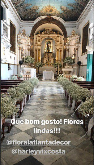 Foto do interior da igreja onde aconteceu o batizado das filhas gêmeas da cantora Ivete Sangalo