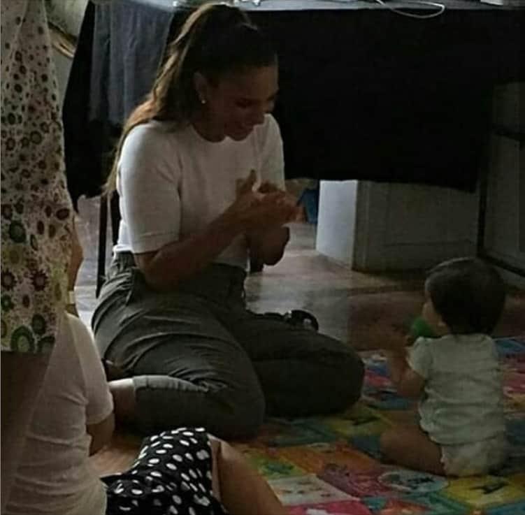 Ivete Sangalo quase não posta fotos das gêmeas
