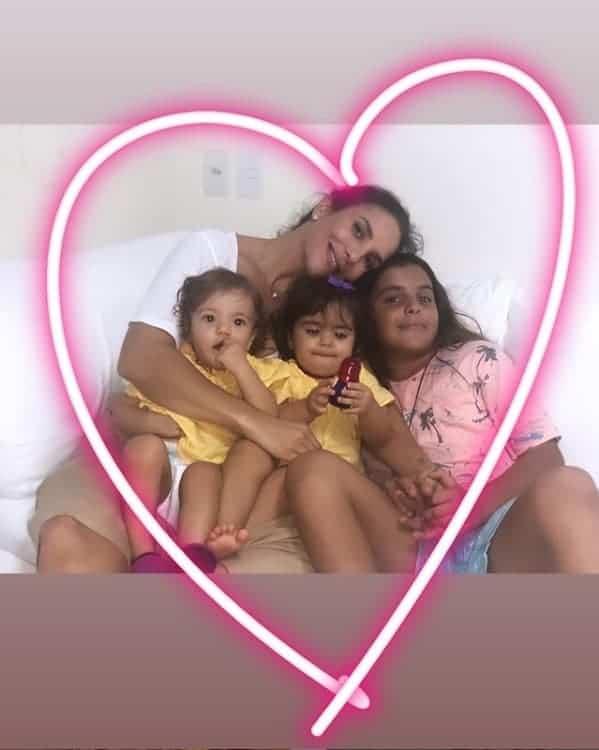 Uma das imagens raras de Ivete Sangalo acompanhada dos filhos