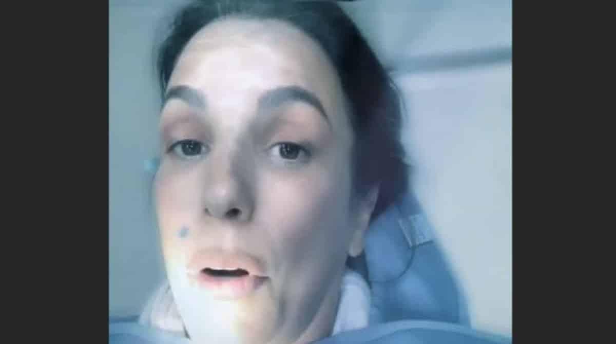 Veveta no dentista tarde da noite