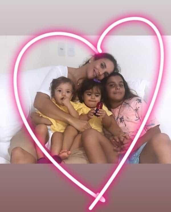 Ivete Sangalo com seus três filhos, Marcelo, Marina e Helena