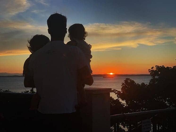 Daniel Cady posta foto encantadora com as filhas