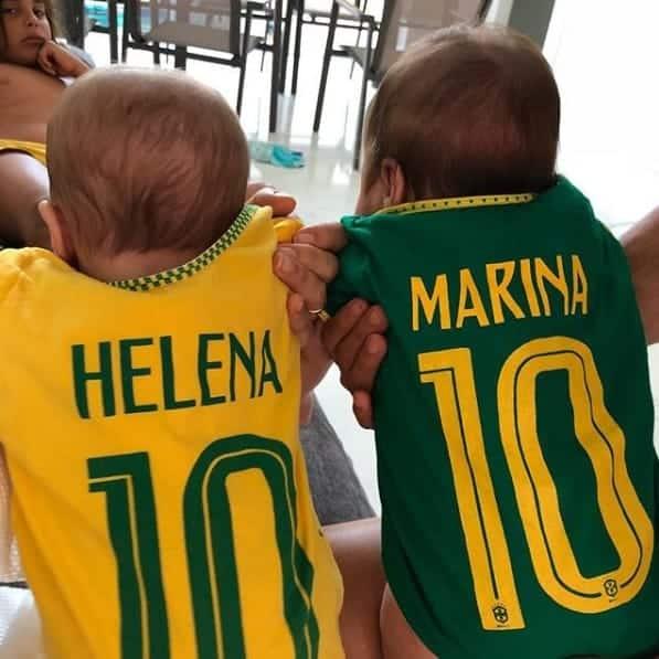 Na primeira copa do mundo de suas vidas as gêmeas Marina e Helena filhas de Ivete Sangalo