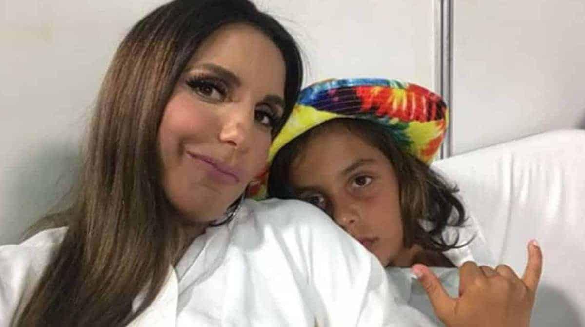 Veveta publicou imagens de seus filhos Marina e Marcelo