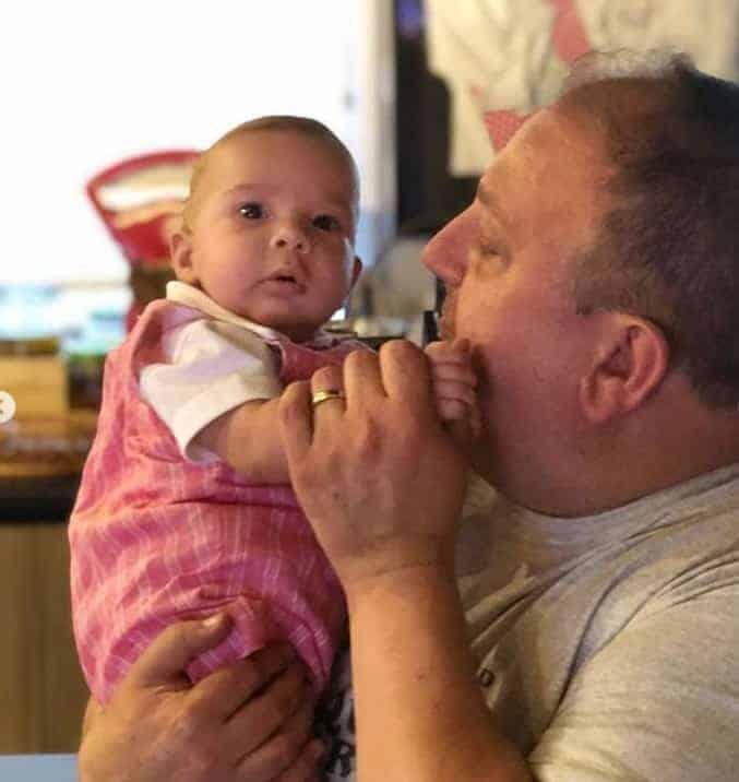 O papai Erick Jacquin com seu filho Antonie