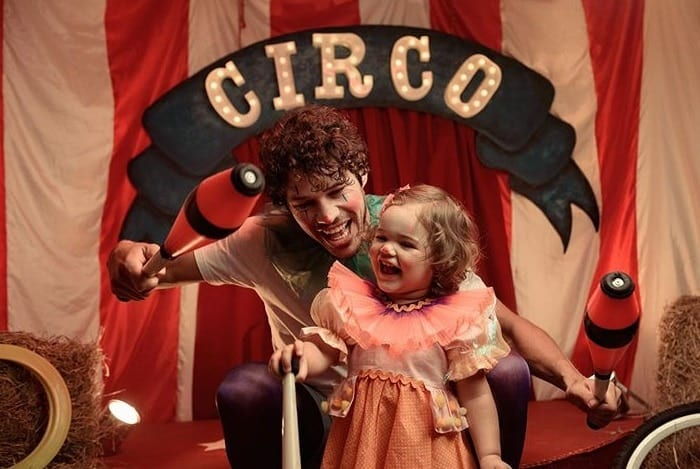 José Loreto em fofo ensaio de fotos com sua bebê