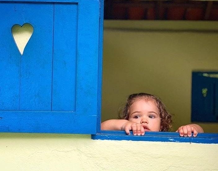 A bebê Bella em outra foto rara que José Loreto mostrou