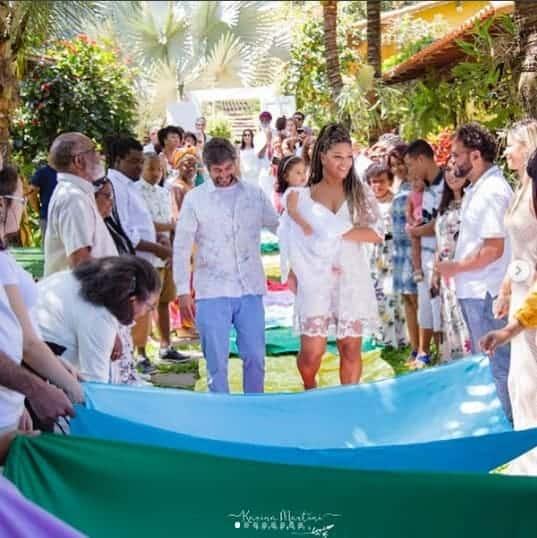 Acompanhe como foi o batizado de Yolanda, filha da atriz Juliana Alves