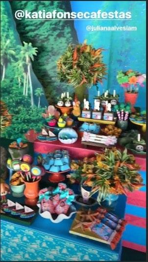Parte da decoração da festa de um ano da menina Yolanda