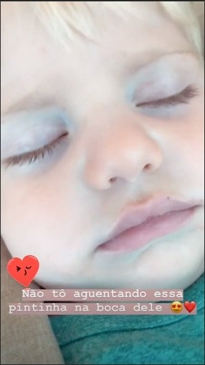 Karina Bacchi comentou sobre detalhe no rosto do bebê Enrico