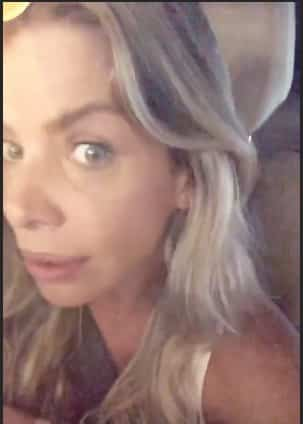 Karina Bacchi publicou essa foto de seu olho