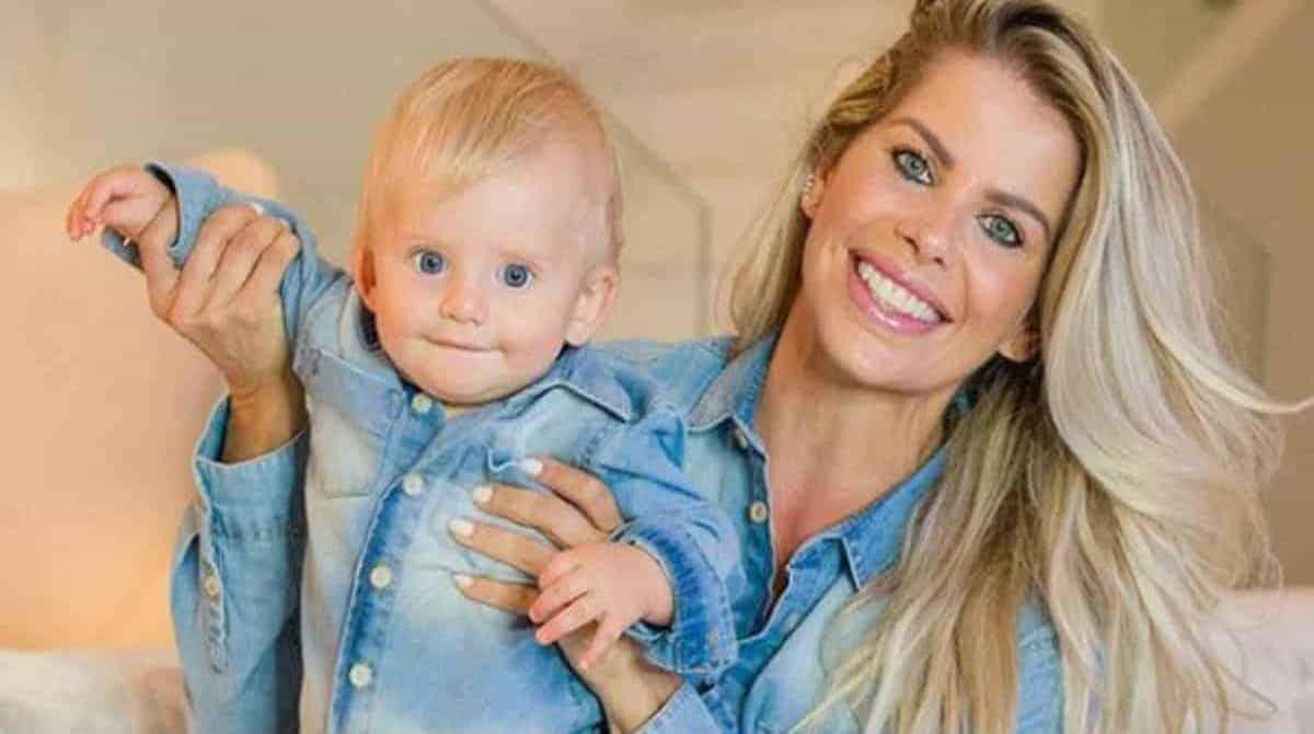 Veja o que Karina Bacchi falou sobre o pai do filho