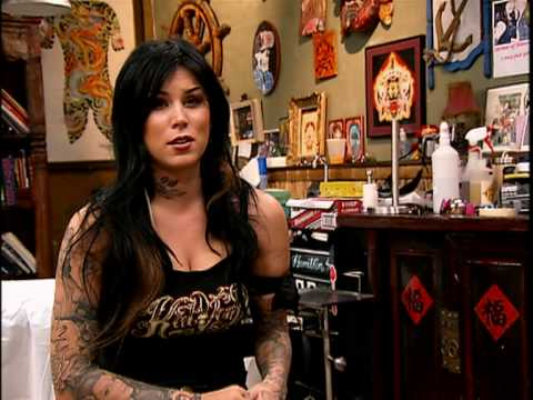 A famosa tatuadora Kat Von D