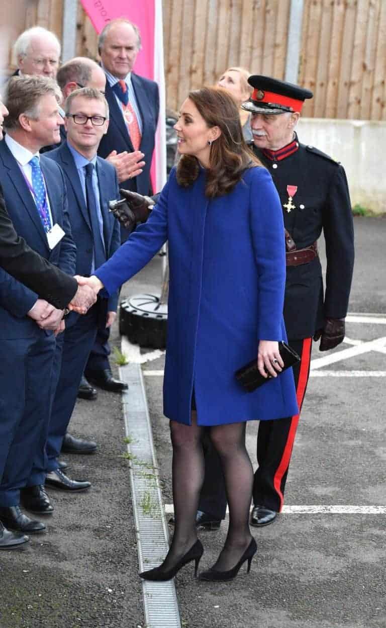 Kate Middleton grávida em um evento