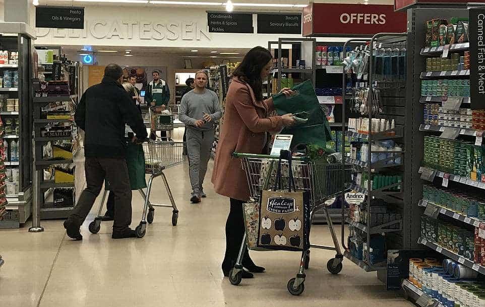 Postagem da duquesa Kate Middleton durante as compras