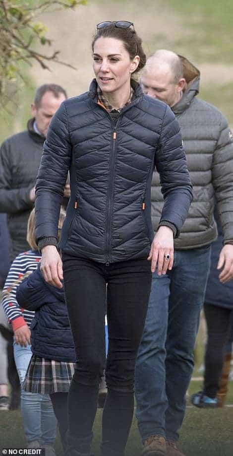 Kate Middleton durante o evento com a sua família