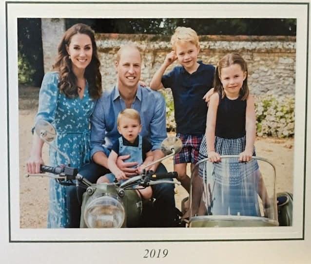 Kate Middleton e príncipe William com seus três filhos