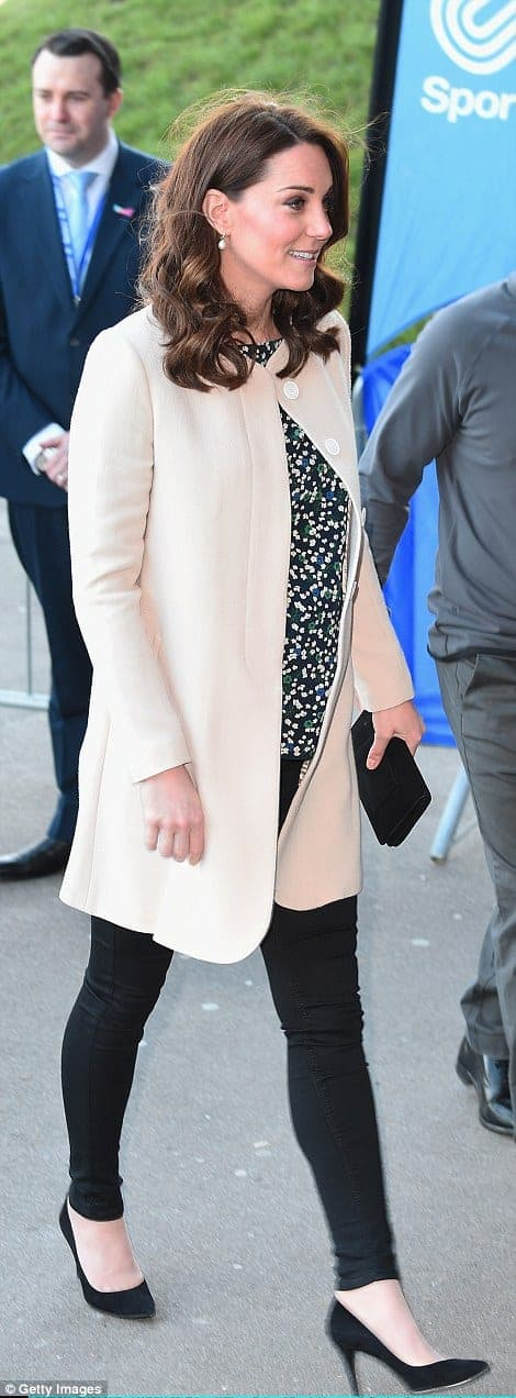 A duquesa Kate Middleton durante o último evento antes da licença-maternidade
