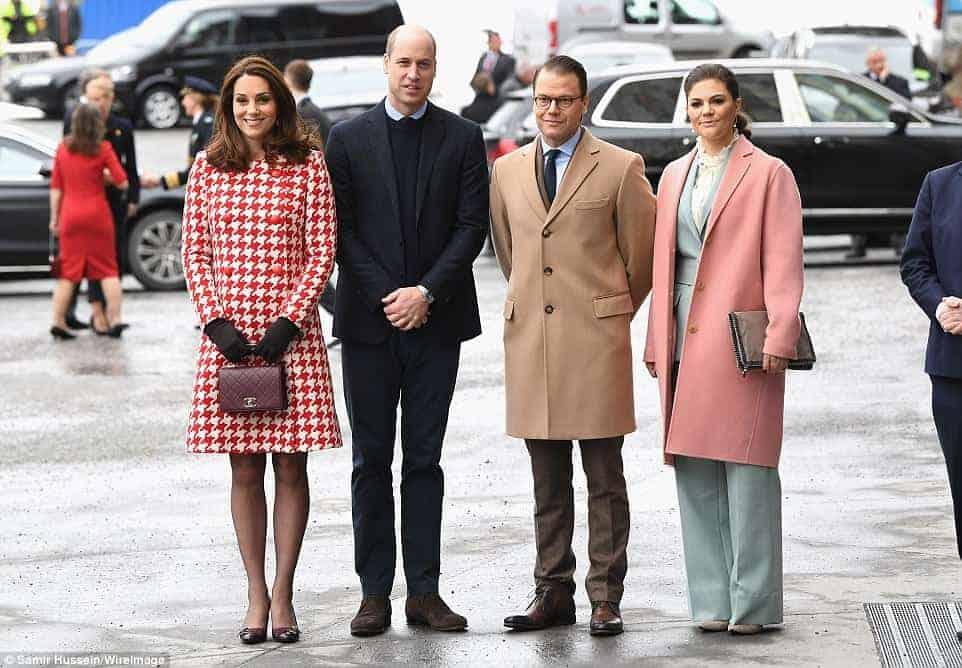 O encontro da duquesa Kate Middleton e o príncipe William com a princesa Victoria e o príncipe Daniel