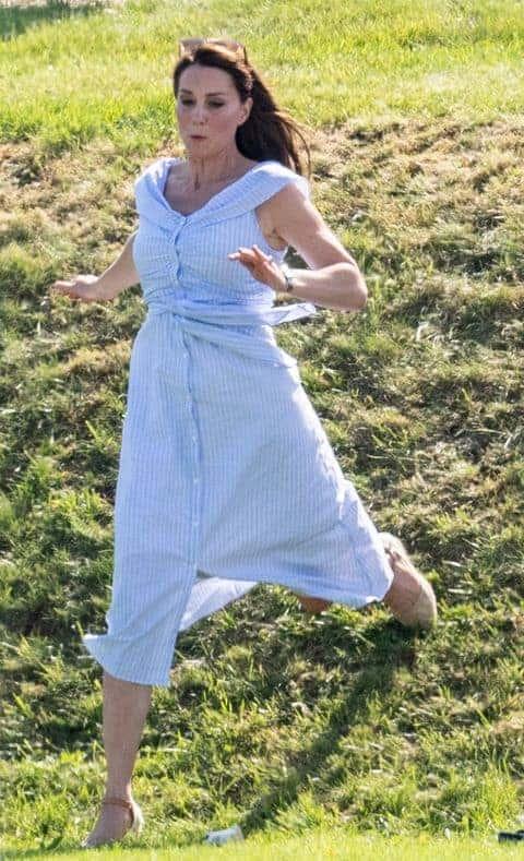A duquesa Kate Middleton em sua última aparição, ela não apresentou nenhum sinal de que estaria grávida