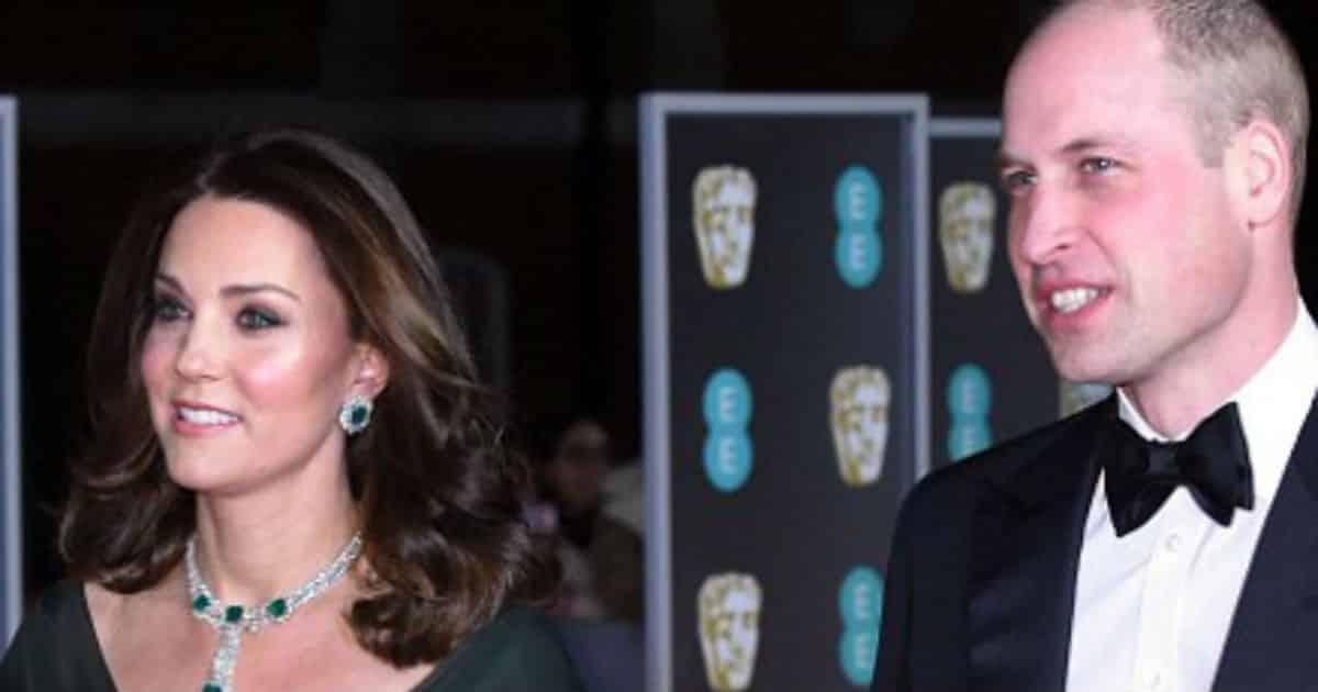 Kate Middleton ao lado do marido o príncipe Willian no BAFTA
