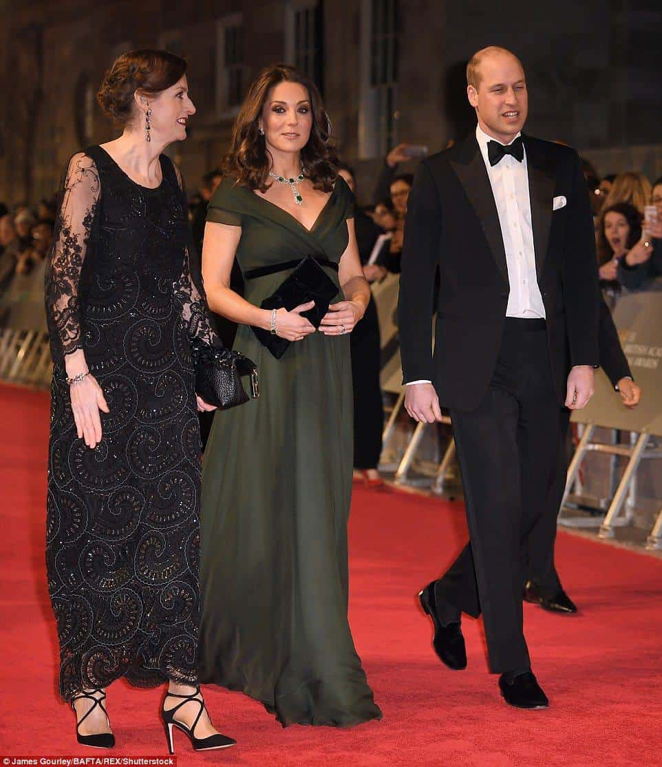 Vestido de Kate Middleton causa polêmica