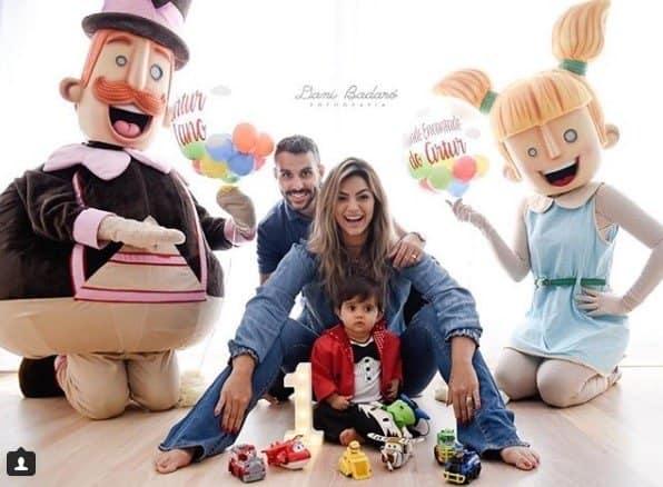 Kelly Key publicou essa imagem sobre a festa de um ano do pequeno Artur