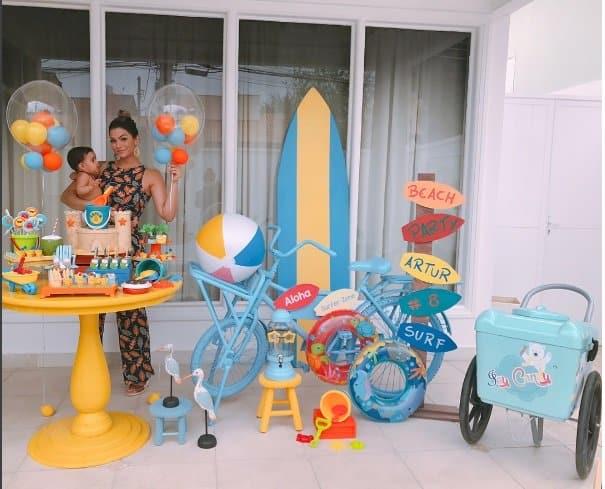 O mêsversário do filho de Kelly Key teve o tema de praia