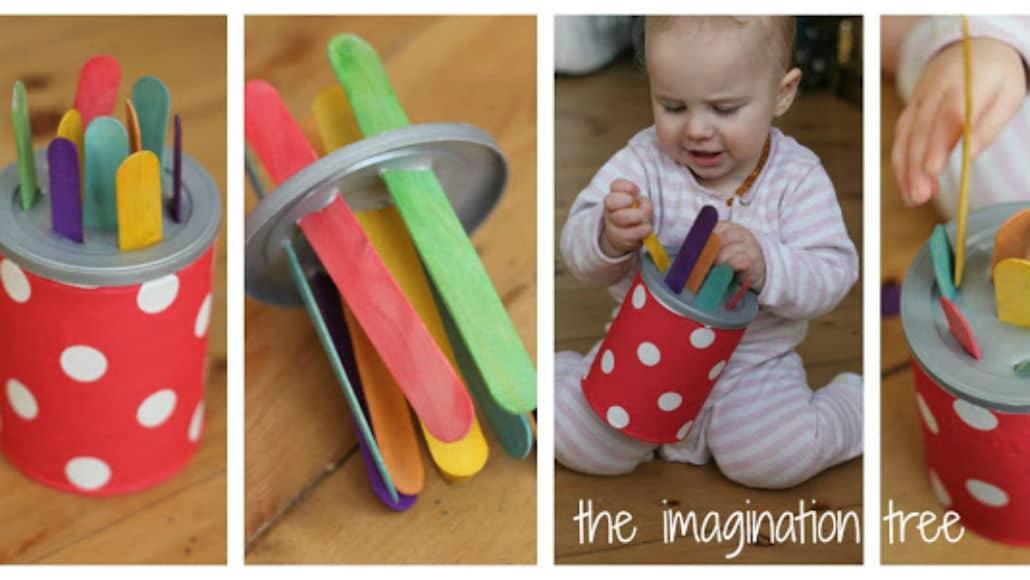 Faça um brinquedo com latinhas e palitinhos