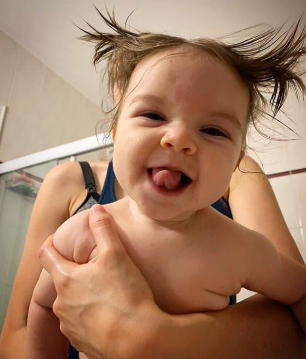 A bebê de Laura Neiva e Chay Suede