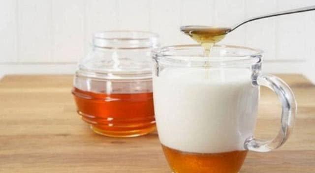Leite e mel são aliados para a azia na gravidez