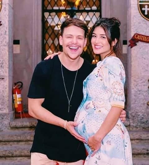 Letícia Almeida grávida com Saulo Poncio
