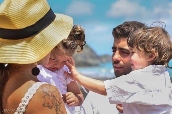 Após o batizado, Luana Piovani postou essa imagem da família reunida