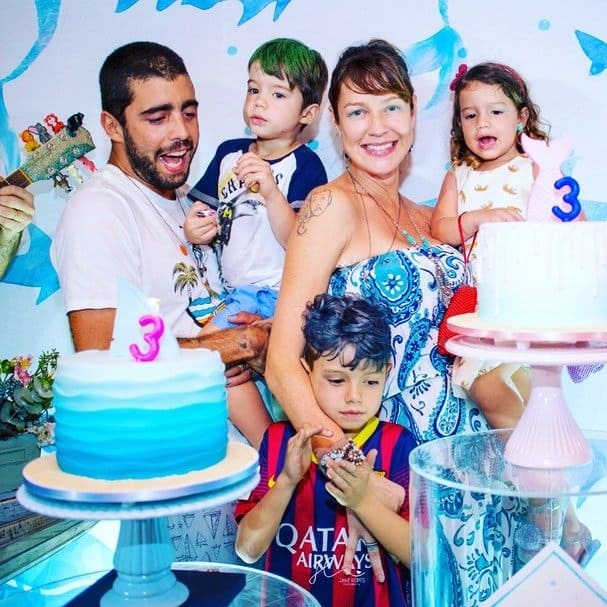 Luana Piovani e Pedro Scooby com os filhos no ano passado