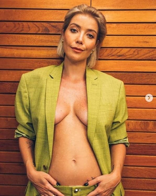 A cantora Luiza Possi compartilhou essa imagem de sua barriga de gravidez