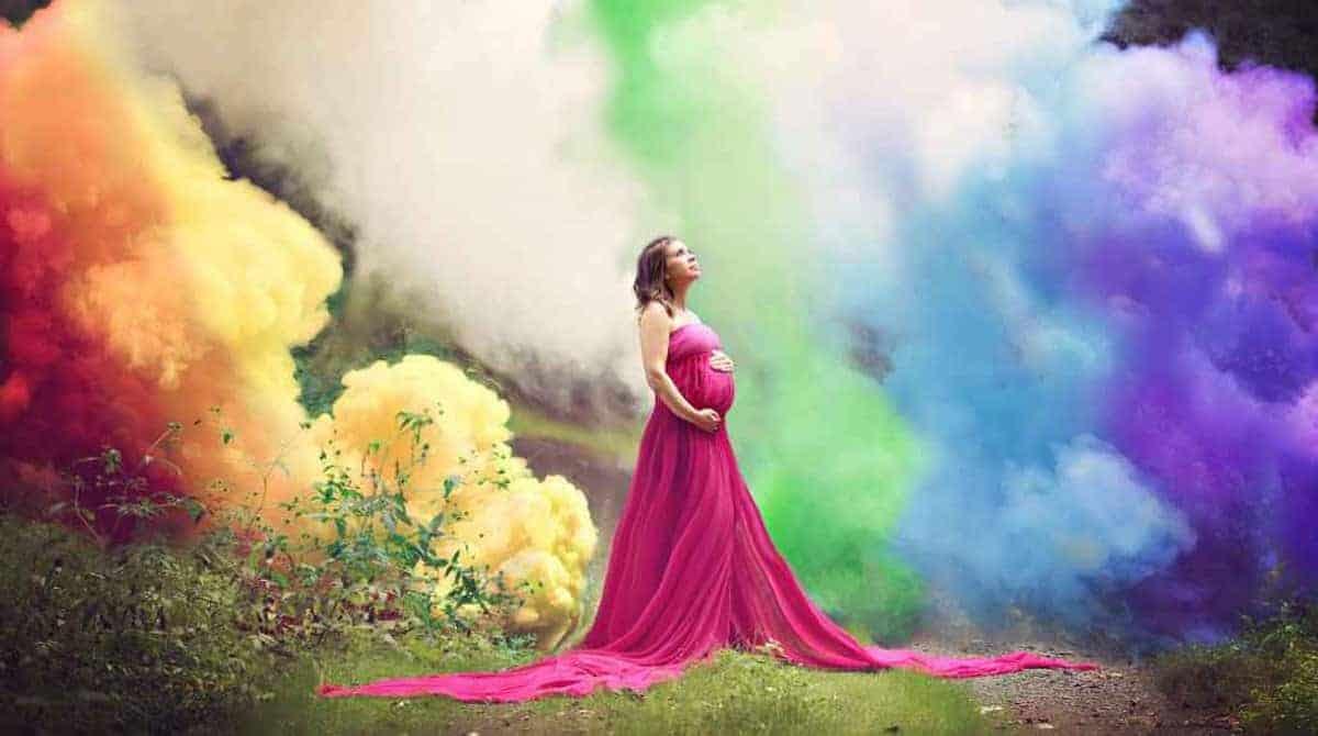 Arco-íris vira tema de um lindo e emocionante ensaio gestante