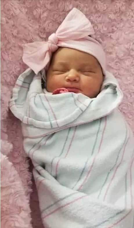 Apesar do trauma da mãe que passou por cesária sem anestesia, a bebê passa bem