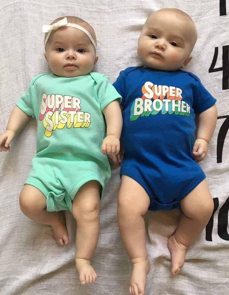 Os gêmeos, filhos de Nicole
