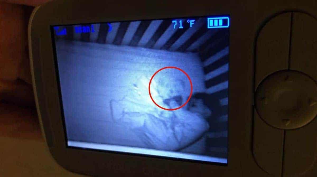 Mãe viu um suposto bebê fantasma com seu menino