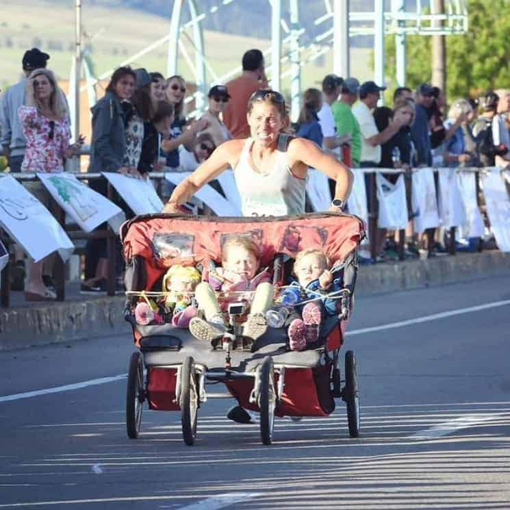 Mãe conseguiu completar maratona com seus bebês