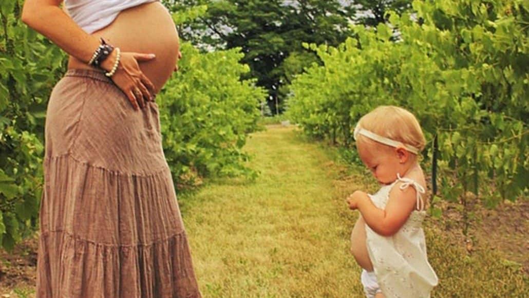 Bebê e mamãe barrigudinhas