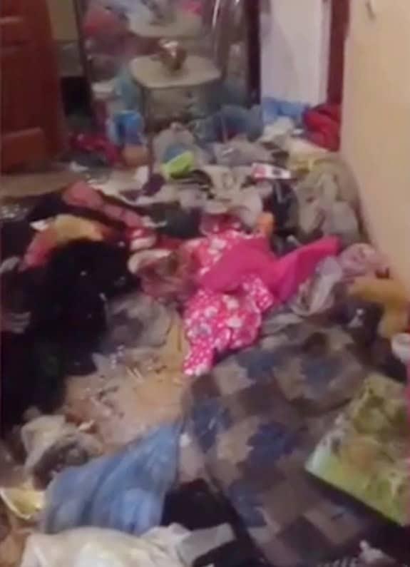 Apartamento que a menina pequena ficou presa