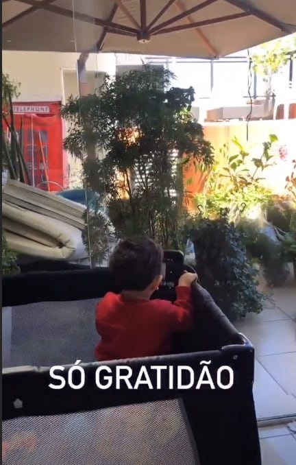 Mara Maravilha mostrou seu bebê na sua cobertura