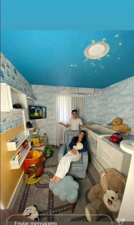 Mara Maravilha no quarto de seu filho
