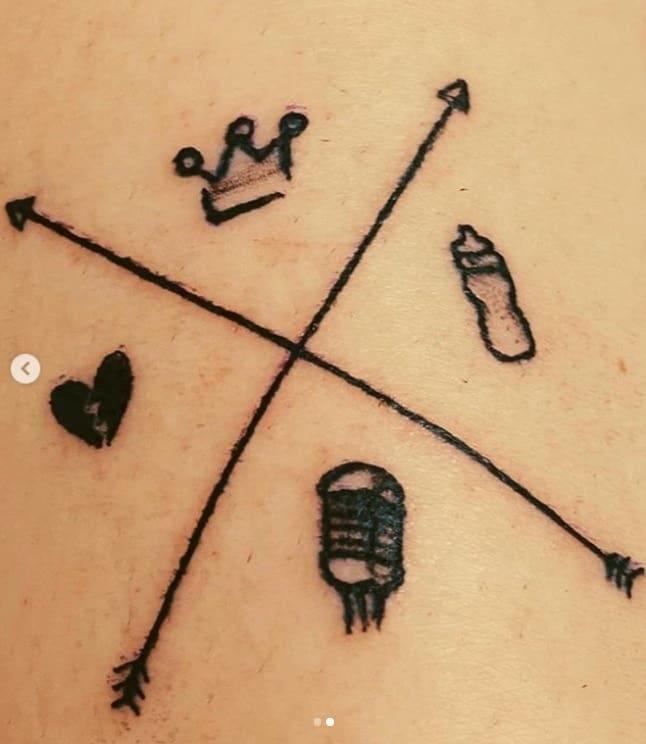 Uma das tatuagens que Marília Mendonça fez para o pequeno Léo