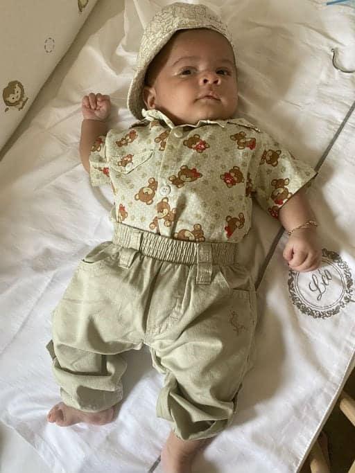 Filho de Marília Mendonça, Léo, com seu look diferente