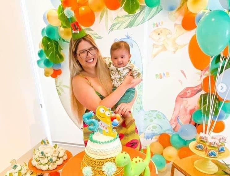 Marília Mendonça no mêsversário de seu bebê
