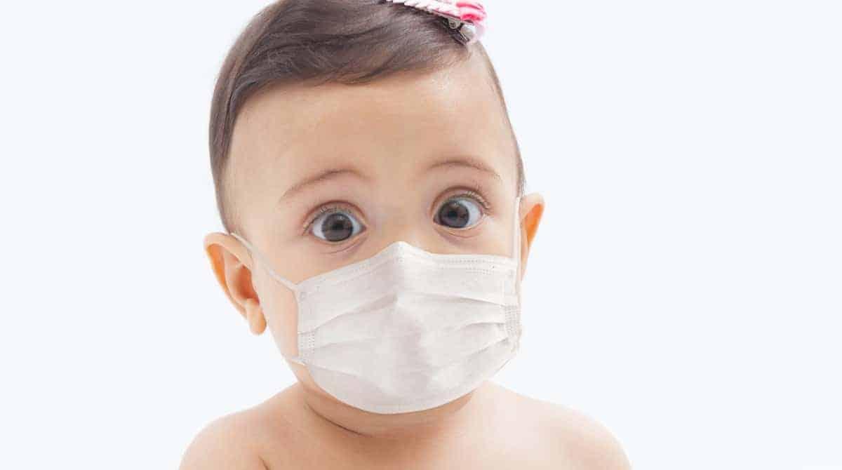 Saiba por que máscaras não devem ser usadas por crianças menores de dois anos
